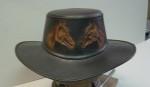 klobouk - hlavy koně
